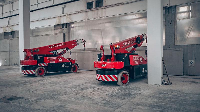 Gru semoventi Jmg impegnate nel montaggio di pannelli prefabbricati presso lo stabilimento di Barilla a Muggia - Trieste.